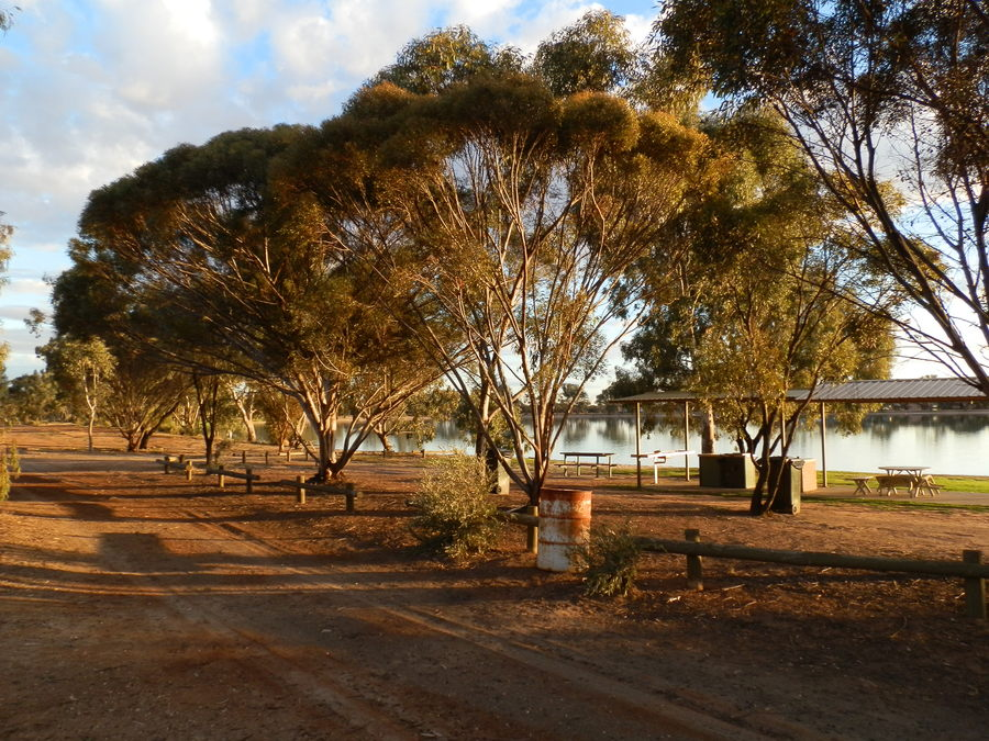 Barbecue Area, Lake Lascelles, Hopetoun, Victoria